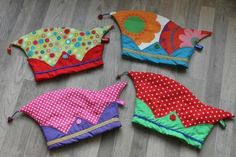 Prinsen muts Couture, Swimwear, Andreas, Carnival Crafts, Creative Ideas, Knitting And Crocheting, Diy, Handarbeit, Bathing Suits