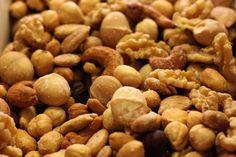 Tostados artesanalmente en nuestras tiendas, los frutos secos son uno de nuestros productos estrella. ¿Aún no has venido a probarlos?