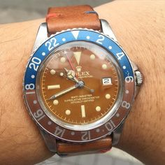 Today glossy caramel tropical GMT 1675 PCG patina matching the hands and bezel matching the strap  #Rolex #rarerolex #rolexpassion #rolexvintage #vintagewatch #vintagerolex #rolexgmt #gmt #gmtmaster #rolex1675 #caramel #tropicaldial #PCG #1675 #6542 #submariner #bigcrown #seadweller #drsd #daytona #paulnewman #comex #milsub #milgauss by silas815