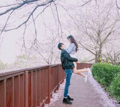 Find images and videos about love, couple and korean on We Heart It - the app to get lost in what you love. Couple Goals, Cute Couples Goals, Couple Ulzzang, Ulzzang Girl, Cute Couple Pictures, Couple Photos, Asian Love, Korean Ulzzang, Korean Couple