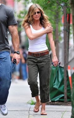 Jennifer Aniston wearing Abercrombie & Fitch Kelsey Pants in Olive  On the Set of The Bounty in New York August 03 2009