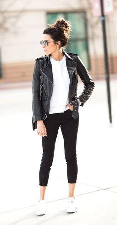 3 ways to wear your favorite sneakers from day to night hello fashion Adrette Outfits, Outfits Damen, Fall Fashion Outfits, Spring Outfits, Casual Outfits, Sneakers Fashion Outfits, Rubber Shoes Outfit Casual, White Sneakers Outfit Spring, Sneakers Outfit Casual