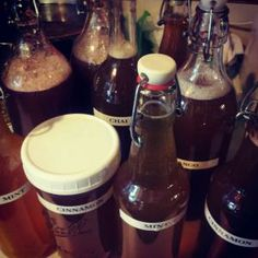 How to flavor your homemade kombucha! Kombucha How To Make, Kombucha Tea, Vegan Life, Hot Sauce Bottles, Chai, Beverages, Paleo, Homemade, Recipes