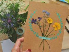 DIY – Carnet de fleurs séchées pour la fête des mères • Hellocoton.fr