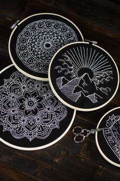 sticken-embroyding-stitching-schwarz-weiss-black-white-mandala-adventure-nature-blackwork-10