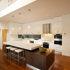 While this Balwyn Kitchen is now relatively old, its geometry, functionality and playfulness still attract a lot of praise from its users. WOLF ARCHITECTS kitchens have character, and character is a timeless design quality.