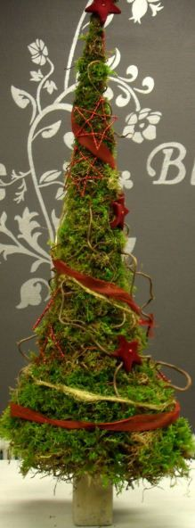Small Christmas tree with red details