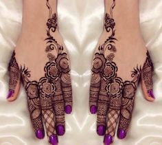 30 Trendy Bridal Mehendi designs for your Big Day  #Ezwed #Mehendi #MehendiDesign #BridalDesign #Wedding #TrendyMehendiDesign