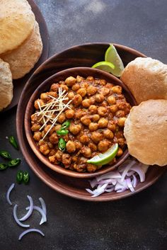 The best ever SIMPLE Instant pot chana Masala or chole recipe is traditional Punjabi recipe made in onion tomato gravy. serve it puri or bhatura and even with rice. Puri Recipes, Veg Recipes, Indian Food Recipes, Vegetarian Recipes, Cooking Recipes, Punjabi Recipes, Recipes Dinner, Cooking Beef, Chana Masala Recipe Restaurant Style