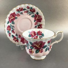 This is a beautiful Royal Albert tea cup part of the Lakeside series, this one is called Windermere. It is done in a soft pink coloring with plenty of gold and a floral pattern in a complementary color. It is in mint condition with no signs of use, no chips or cracks. Please have a good