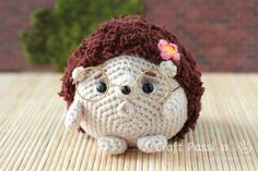 hedgehog amigurumi with wired spectacles [free crochet pattern]