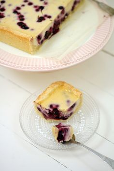 Uunissa paistettu mustikkajuustokakku – Lunni Leipoo Let Them Eat Cake, Cheesecake, Goodies, Baking, Ethnic Recipes, Desserts, Food, Cheesecake Cake, Sweet Like Candy