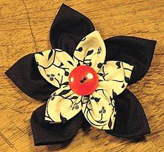 Maak een prachtige bloemen broche van stof