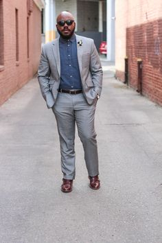 Suiting For Warm Weather Chubby Men Fashion, Mens Plus Size Fashion, Large Men Fashion, Mens Fashion Suits, Big Man Suits, Mens Full Suits, Big And Tall Style, Formal Dresses For Men, Plus Size Men
