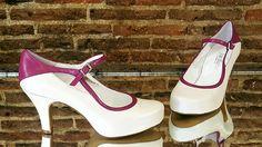 Zapatos de novia hechos en blanco roto y el collarín piel ruiseñor.