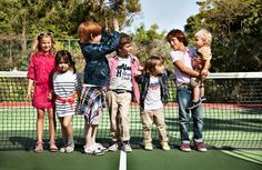 Tommy Hilfiger has the cutest ads! Tommy Hilfiger Mode, Tommy Hilfiger Fashion, Fashionista Kids, Preppy Kids, Kid Styles, Comfortable Fashion, Kind Mode, Kids Wear, American