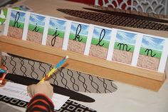 Ecriture cursive sur billets Cursive, Alphabet Alpha, Montessori Activities, Home Schooling, Language, Classroom, Ms Gs, Toddler Learning, Special Education