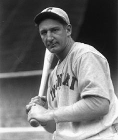 Ernie Lombardi - was a Major League Baseball catcher for the Brooklyn Robins, the Cincinnati Reds, the Boston Braves and the New York Giants during a Hall of Fame career that spanned 17 years, from 1931 to 1947 Baseball Star, Reds Baseball, Cardinals Baseball, Baseball Pants, Baseball Jerseys, Baseball Players, Baseball Field, Baseball Tickets, National Baseball League
