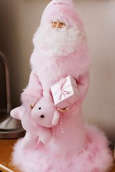 SOFT PINK: Holiday Style: Pretty in Pink Santa and Teddy, to add to your collection Shabby Chic Christmas, Victorian Christmas, Pink Christmas, All Things Christmas, Vintage Christmas, Christmas Holidays, Christmas Decorations, Father Christmas, Magical Christmas
