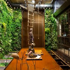 Having been working on such projects since 2004, Swedish landscape architect Michael Hellgren has garnered somewhat of an international reputation for his mesmerising vertical garden installations, and if this lavish, tropical wonder is anything to go by then his accolades are justly deserved...