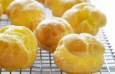 Ideas Pate a Choux - Use this pate a choux recipe to make mouthwatering French pastries such as profiteroles and eclairs.Pate a Choux - Use this pate a choux recipe to make mouthwatering French pastries such as profiteroles and eclairs. Snack Recipes, Dessert Recipes, Cooking Recipes, Snacks, Pastry Recipes, Just Desserts, Delicious Desserts, Yummy Food, Gourmet Desserts