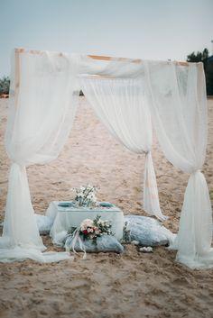 Beige and emerald Wedding Colours for a beach themed wedding + beige wedding dress Beach Wedding Decorations, Table Decorations, Beige Wedding Dress, Wedding Dresses, Emerald Wedding Colors, Beach Proposal, Wedding Reception, Wedding Day, Romantic Picnics