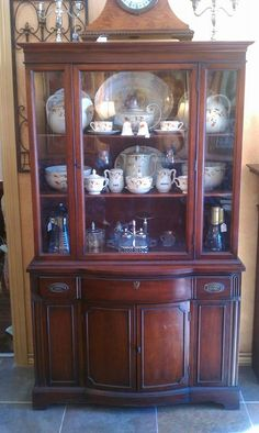 Duncan Phyfe China Cabinet The Lion's Lair 2712 SW 6th Street Amarillo, TX 79106 806.640.7825