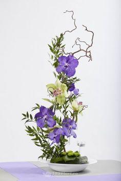 Aranjamente Florale Nunti: Aspidistra, Orhidee (Cymbidium), Crizantema (Chrysanthemum), Corylus, Ruscus Italia, Orhidee (Vanda)