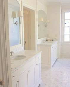 Love this open and airy master bath all dressed up in Asian Statuary from Leigh Humphrey! #openspace #airy #masterbath #asianstatuary #happymonday #mosaicmonday #herringbone #whiteonwhite #calm #serene #soothing #interior #design #inspiration #ihavethisthingwithfloors #mirrors #designgoals #dreamdesign #love #marble #tiles #tilebar #dressedup #sunlight #daylight #clean #beautiful