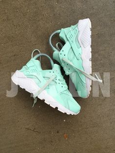 MINT HUARACHE CUSTOM