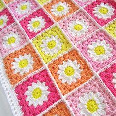 Daisy Granny Square Crochet Free Pattern