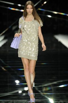 See the complete Elie Saab Spring 2009 Ready-to-Wear collection.