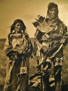 Indian Pictures: Blackfeet Indian Couples Photo Gallery, names and date unknown.