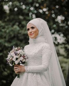 types of muslim wedding dresses Muslimah Wedding Dress, Muslim Wedding Dresses, Muslim Brides, Best Wedding Dresses, Bridal Dresses, Bridesmaid Dresses, Bridal Hijab, Wedding Hijab, Boho Wedding Dress