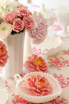 Coral Pantone, Flower Power, Bouquet, Rose Cottage, White Cottage, Fenton Glass, Vintage Glassware, Vintage Plates, Glass Collection