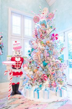 Land of Sweets Xmas tree by Turtle Creek Lane Gingerbread Christmas Decor, Candy Land Christmas, Pink Christmas Decorations, Christmas Tree Themes, Kids Christmas, Christmas Crafts, Merry Christmas, White Christmas, Candy Decorations