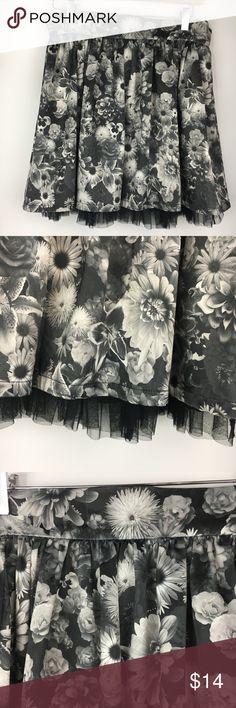 Olsenboye 9 Black and White Floral Skirt Olsenboye 9 Black and White Floral Skirt 18 inch long Olsenboye Skirts Mini