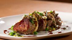 Filet de porc à l\'orange et au sésame Osso Bucco Porc, Kitchen Humor, Funny Kitchen, Pork Recipes, Fine Dining, I Foods, Family Meals, Main Dishes, Steak