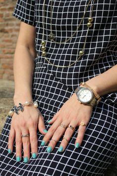 Black Plaid Shift Dress – Choies (Fashion Tip #23) – The Indian Savage diary