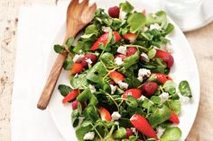 cress and strawberry salad with goat cheese (in Dutch) My Favorite Food, Favorite Recipes, Great Recipes, Dinner Recipes, Yummy Recipes, Vegan Fish, Good Food, Yummy Food, Goat Cheese Salad