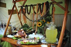 Wiejski stół, czasami przy tym stole są lepsze imprezy... Ciekawe czemu? ;D