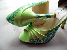 Risultati immagini per green shoes