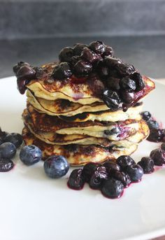 Blueberry Protein Pancakes | Lexiscleankitchen.com - I make the pancake with just 1 egg and 1 banana and it is extremely good - I am definitely going to try adding the protein powder.  I think this will be an excellent recipe.