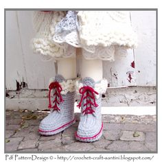 Kids Winter Boot-Slippers with Fur and Laces by PdfPatternDesign