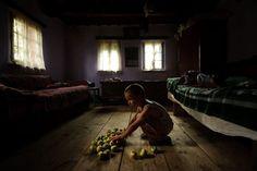 merele lui (his apples) by Vlad Dumitrescu