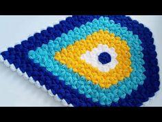 Damla şeklinde örülen Nazar Lif Modeli için 4 renk Lif ipi 5-7 numara arası Mil ile başlanan model Videolu Lif Yapımı ile gösteriliyor. Az önce de Balık Puff Stitch Crochet, Elsa, Diy And Crafts, Crochet Earrings, Youtube, Crochet Hats, Blanket, Model, Round Shag Rug