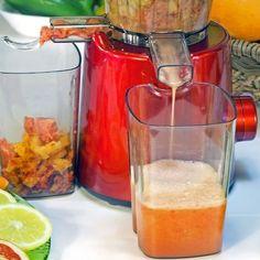 Spremiagrumi, estrattore o centrifuga? Ecco qual è la differenza per i vostri succhi di frutta (o verdura)