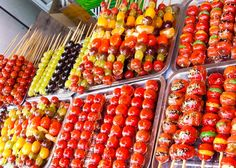 Candied fruit on a skewer (冰糖葫芦)| MY FAVOURITE FOOD IN CHINA