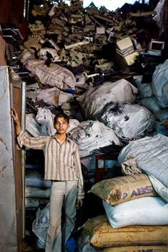 India's Poor Recycle World's E-Waste