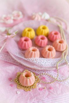 Frau Zuckerfee: Mini Schoko Guglhupf mit Schokoladenglasur   Rezept Mini Gugelhupf